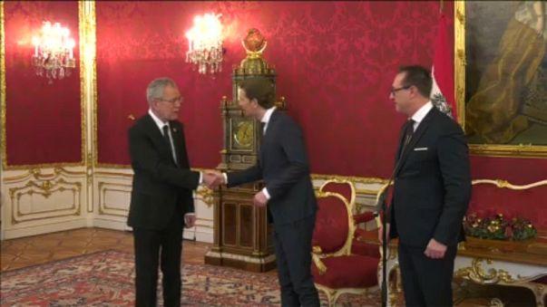 A szélsőjobb adja a bel- és a külügyminisztert Ausztriában