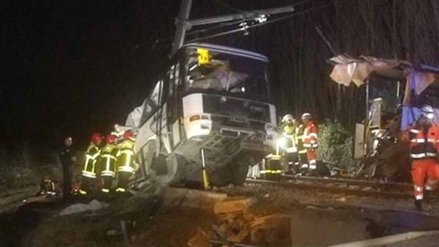 Inquiry into French school bus crash under way