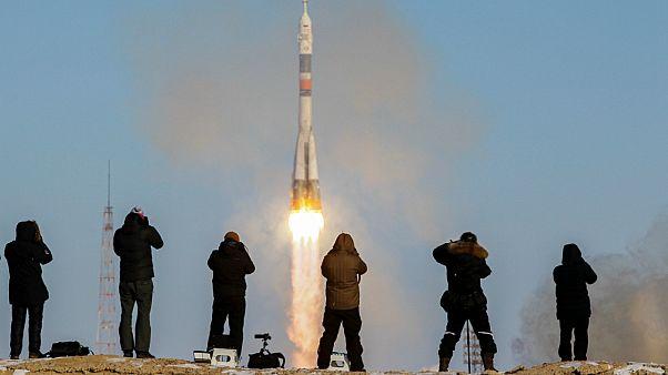 پرواز موشک حامل فضاپیمای سایوز ام-اس-۰۷ از پایگاه فضایی بایکونور