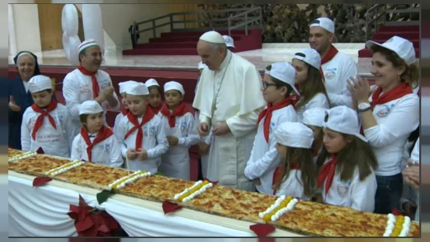 "Papa Francesco, compleanno, pizza e ""fake news"""