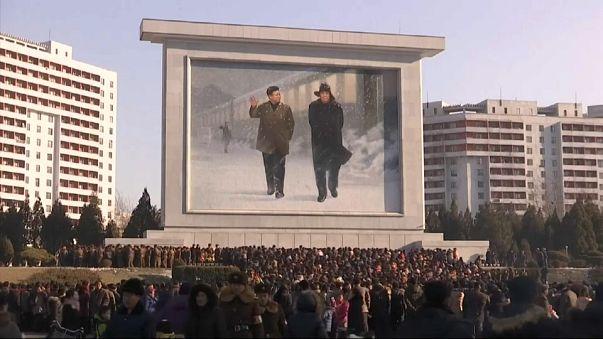 K. Kore Kim Jong Il'i ölüm yıldönümünde andı