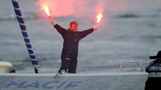 French sailor smashes solo world record