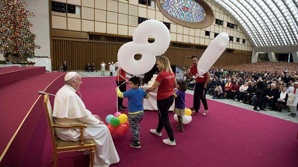 Papa Francisco evoca valores solidários em dia de aniversário