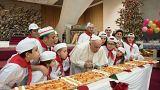 البابا فرنسيس يحتفل بعيد ميلاده مع الأطفال المرضى في الفاتيكان