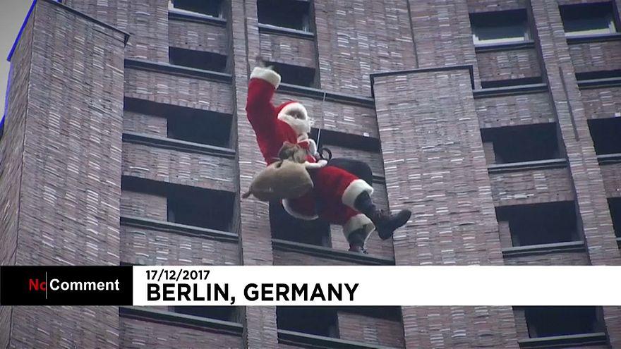Le Père Noël, cet homme-araignée