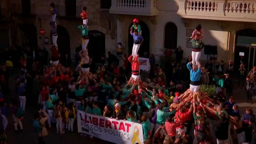 Katalanlar hapisteki liderlerinin serbest kalması için gösteri yaptı