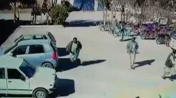 Videón a terroristák Pakisztánban