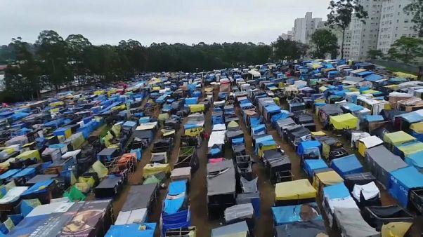 Acampamento nos arredores S. Paulo prestes a ser desmantelado