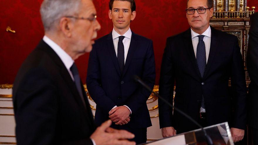 Αυστρία: Ορκίστηκε η νέα κυβέρνηση με ισχυρή ακροδεξιά