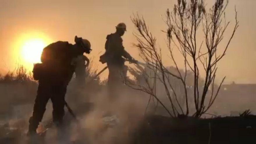Keserves a tűzzel a harc Kaliforniában