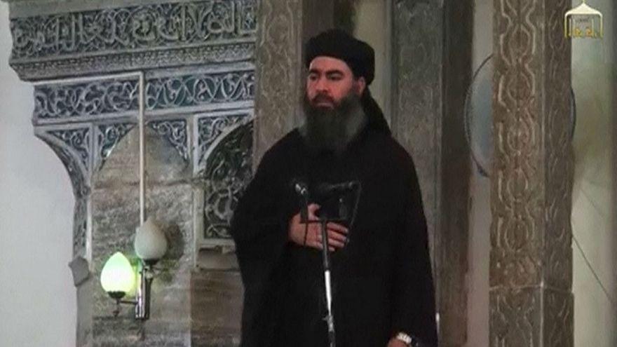 ابوبکر البغدادی، رهبر داعش هنگام اعلام تشکیل «دولت اسلامی»