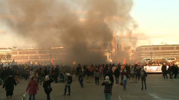 Austria: proteste contro il nuovo governo con l'estrema destra