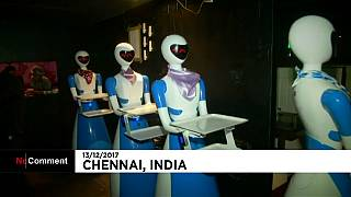 Indien: Serviceroboter im Restaurant