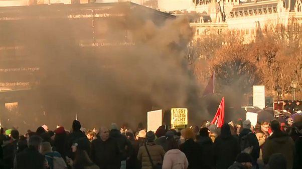 """Вена: манифестация против """"правительства отвращения"""""""