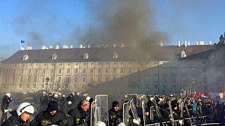 Avusturya'da aşırı sağcı yeni hükümet karşıtı gösteri