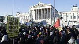 Manifestação diante do Parlamento da Áustria
