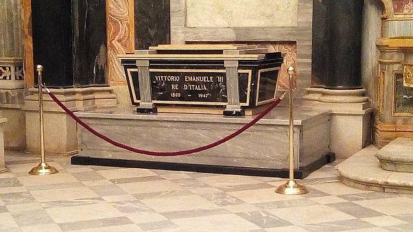 FuneralTomba_di_Vittorio_Emanuele_III