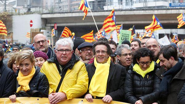 Puigdemont prende parte ad una manifestazione a Bruxelles