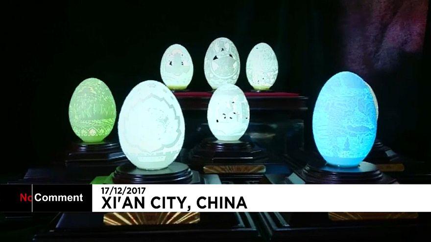 Casca de ovo transformada em obra de arte na China
