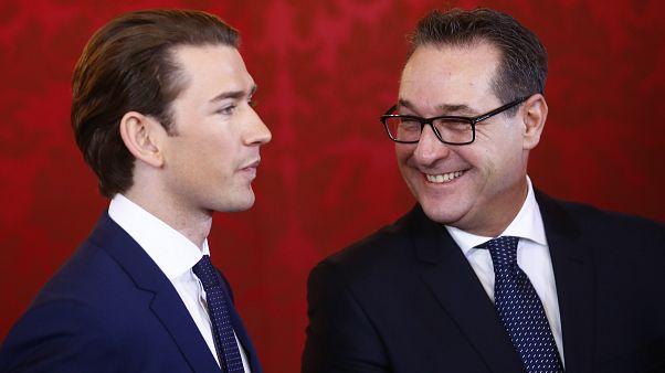 Österreich: Bundespräsident lobt türkis-blaue Regierung an