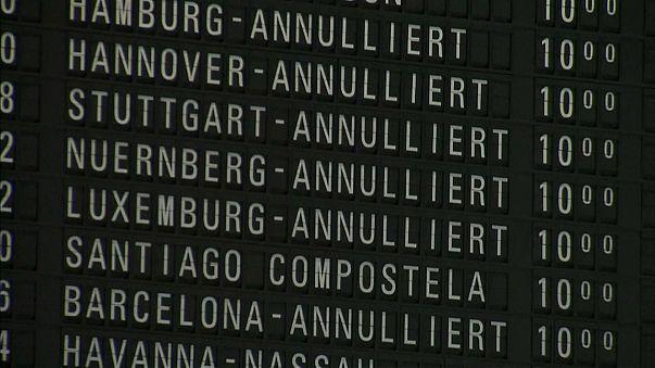 Nevão provoca caos no aeroporto de Frankfurt
