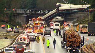 ABD'de tren raydan çıktı: 6 kişi hayatını kaybetti, 77 kişi yaralandı