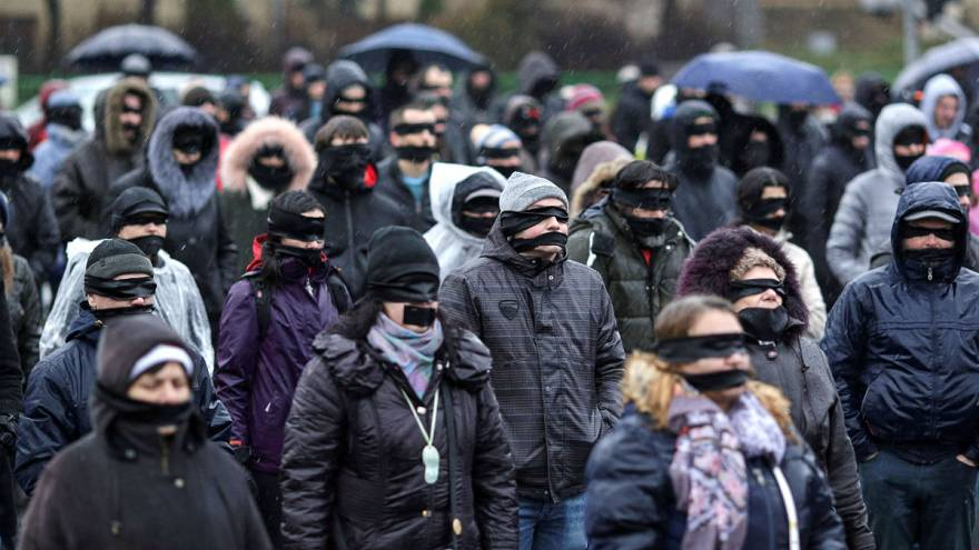 Manifestantes rumanos protestan contra la reforma judicial