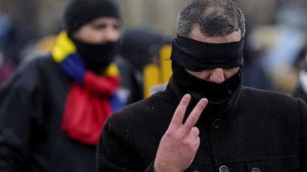 Centenas de magistrados romenos protestam contra a reforma da Justiça