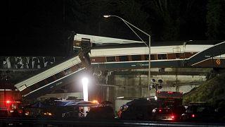 Descarrilamento de comboio nos EUA provoca pelo menos três mortos