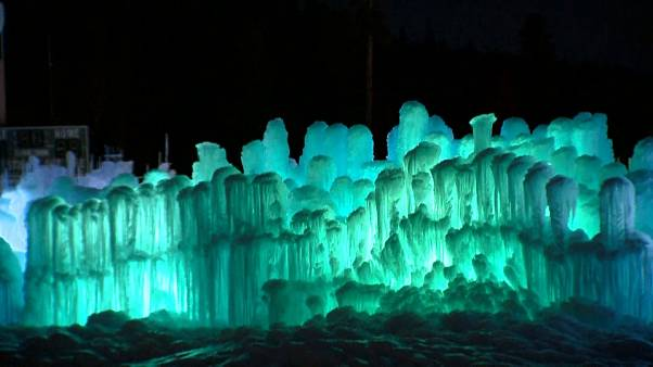 Winterzauber: Ein neues Schloss ganz aus Eis