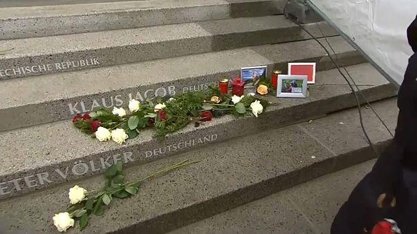 Mea culpa e condoglianze di Merkel a parenti vittime di un anno fa