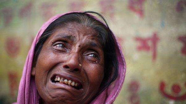 گریه یکی از زنان روهینگیا که از خشونت در میانمار گریخته است