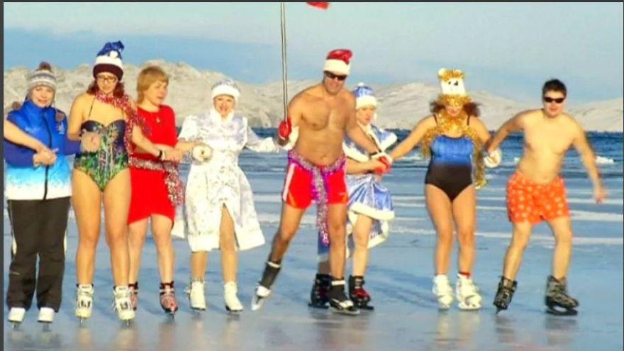Ruslardan milli takıma bikinili destek