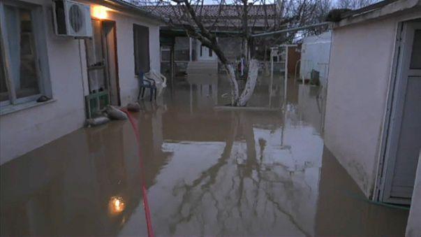 Наводнение : 20 человек эвакуированы