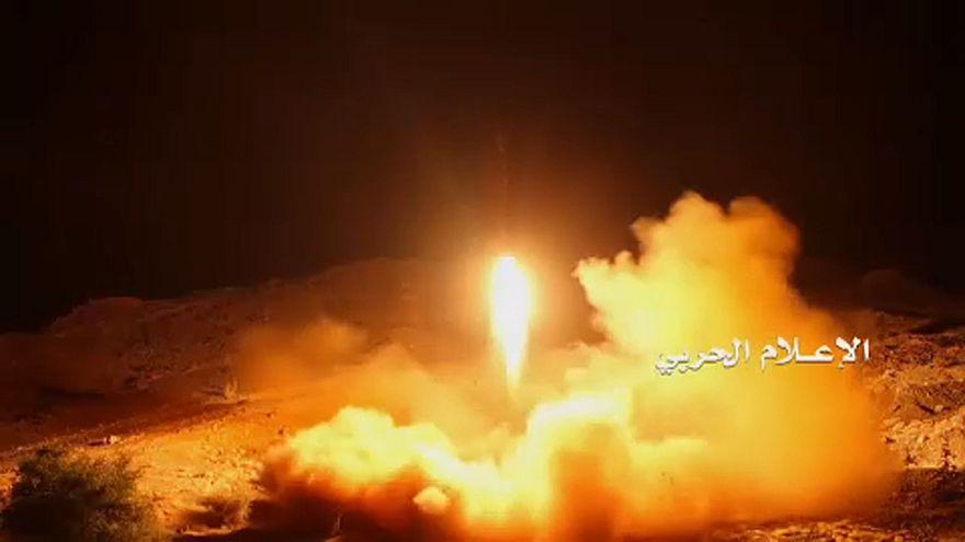 A rijádi királyi palotát célozta a jemeni rakéta