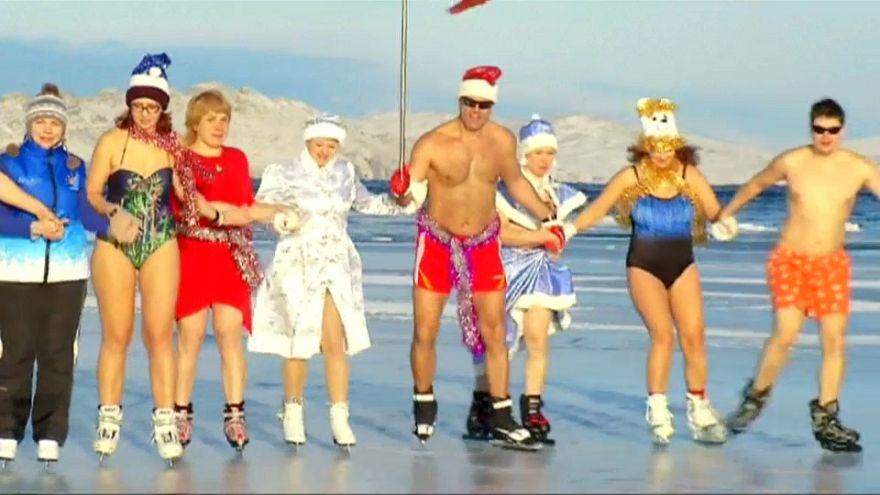 Sibirien: Bikini-Flashmob für das russische Nationalteam