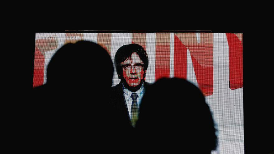 """Cataluña: Puigdemont promete reinstaurar el """"Govern legítimo"""" si gana el 21-D"""