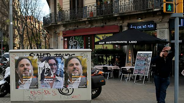 Καταλονία: Τί δείχνουν οι τελευταίες δημοσκοπήσεις