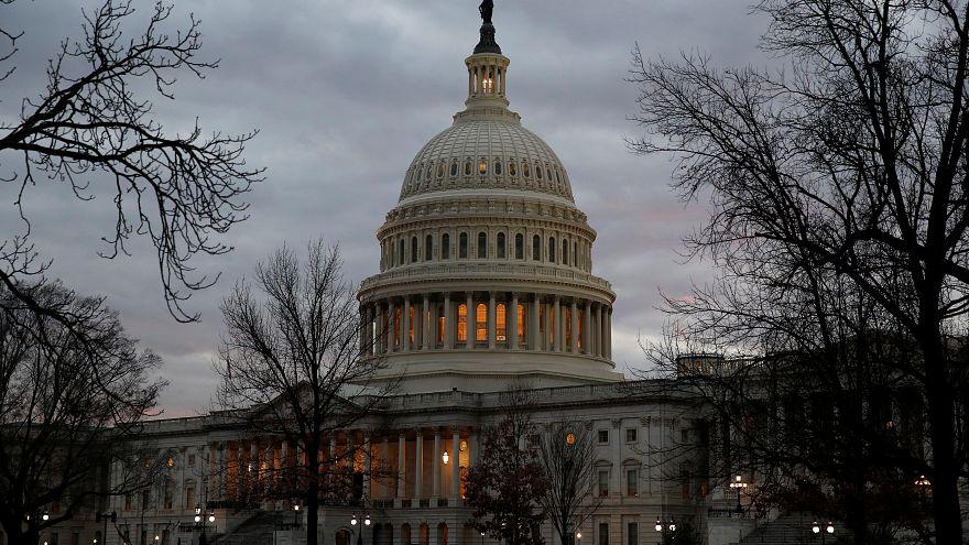 مبنى الكابيتول الأمريكي (مقر الكونجرس) بواشنطن