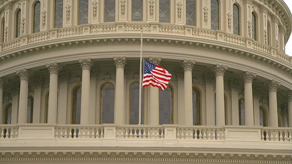 "Trumps ""Weihnachtsgeschenk"": US-Senat verabschiedet Steuerreform"