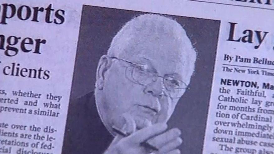 Умер кардинал Лоу, покрывавший священников-педофилов