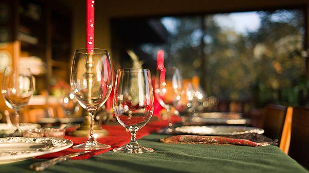 Table dressée pour le repas de Noël
