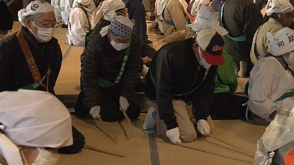 Ιαπωνία: Καθαρίζουν τους ναούς για το νέο έτος