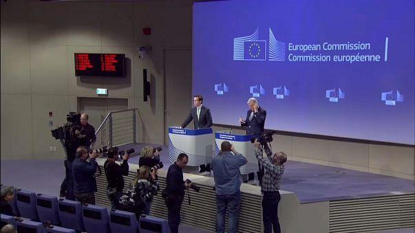 EU:UK Brexit deadline flip-flop