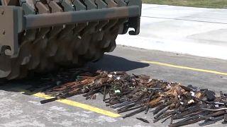Exército do Brasil destrói armas ilegais