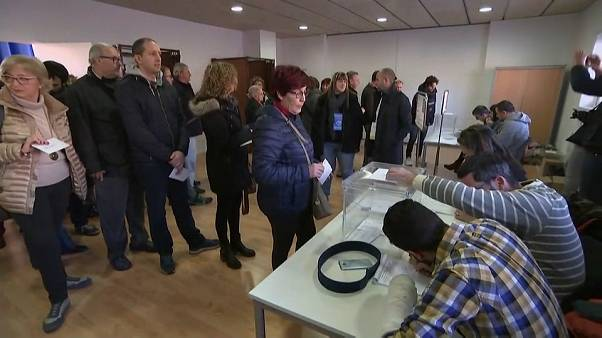 Cataluña vota en una jornada crucial para su futuro