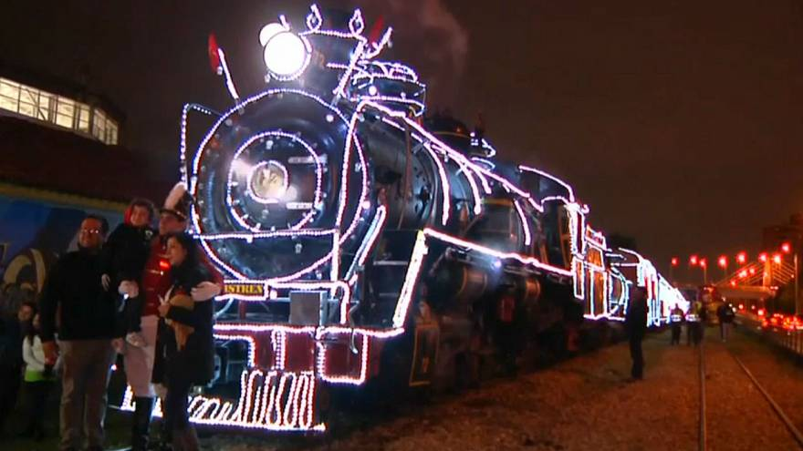 CHRISTMAS-SEASON_COLOMBIA_TRAIN