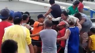 Filipinler'de 251 yolcu taşıyan gemi alabora oldu