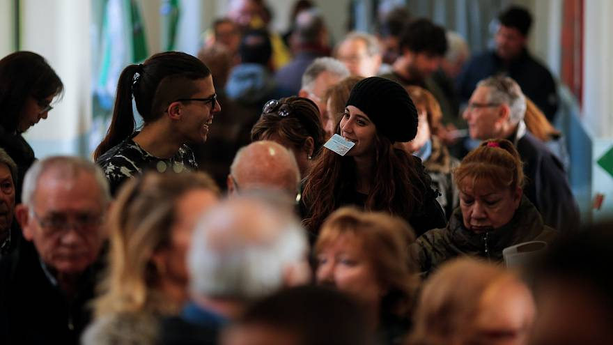 Des Catalans nombreux et divisés aux urnes