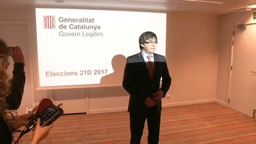 """Száműzetéséből is """"szavazott"""" Puigdemont"""